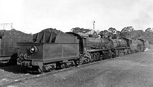 South African type XP1 tender - Type XP1 tender on SAR Class 4AR no. 1560, c. 1961