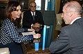 Cristina Kirchner y Günter Kniev.jpg