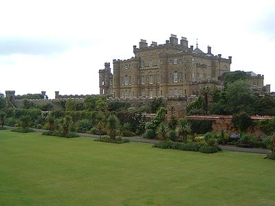 http://upload.wikimedia.org/wikipedia/commons/thumb/7/71/Culzean_Castle.JPG/400px-Culzean_Castle.JPG