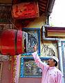 Dato Dato Paduka Haji Husam Musa Husam admiring ancient royal drum at Tokong Mek, Kampung Cina, Kelantan.jpg
