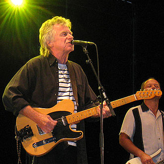 Dave Edmunds - Edmunds playing in Sweden 2008