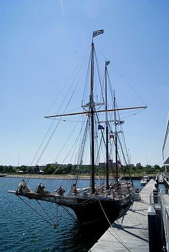 Denis Sullivan (schooner) - Image: Denis Sullivan at Pier Wisconsin