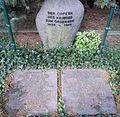 Denkmal Hüttenweg 47 (Dahl) NS Opfer2.jpg