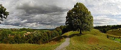 Der Kirchberg in Reusten.jpg