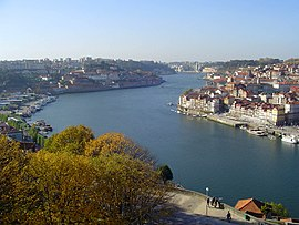 Douro River Portugal.jpg