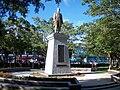 Dr. Sun Yat-sen Statue in Dahu Park.jpg