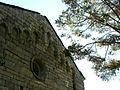 E11 Santa Maria, arcuacions llombardes de la façana.jpg