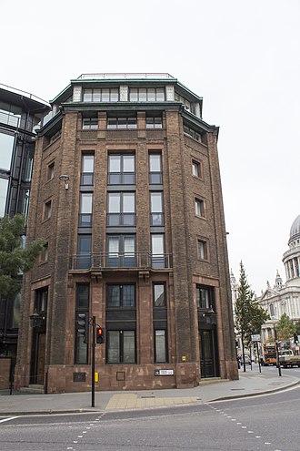 Bracken House, London - Image: EH1262582 Bracken House 04