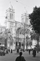 ETH-BIB-Platz vor der Kathedrale Saint-Vincent-de-Paul in Tunis-Nordafrikaflug 1932-LBS MH02-13-0053.tif