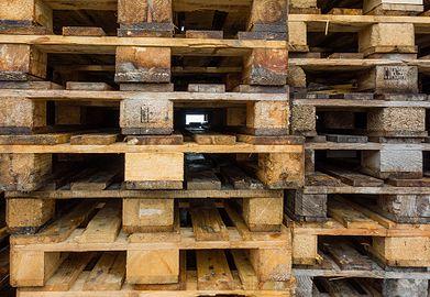 EUR-pallets stacked 3.jpg