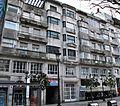 Edificio de vivendas para a Compañía Carbonera S.A. proxectado por Jenaro de la Fuente Álvarez en 1942, por encargo de José Francisco López e Guillermo Puime.JPG
