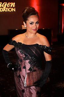 Elizabeth Espinosa American journalist