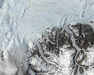 ice shelf in the Arctic Ocean