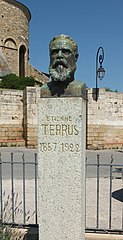 Monument to Étienne Terrus