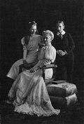 Empress Augusta Victoria of the German Empire with her children.jpg