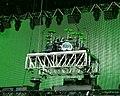 Eric Singer - Montage podium batterie - Hellfest 2010.jpg
