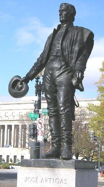 Estatua de Artigas en Washington DC - Jos%C3%A9 Luis Zorrilla de San Mart%C3%ADn %282%29