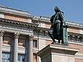 Estatua de Murillo y Puerta de Murillo del Museo del Prado - 02.jpg