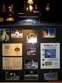 Exposição Relíquias do Mundo no Shopping Iguatemi em Ribeirão Preto. Revestimento interno Kapton foil da nave Eagle na missão Apollo 11, primeira missão a levar astronautas na Lua. Neil Armstrong e Edw - panoramio.jpg