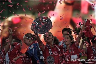 2010–11 Eredivisie (women) - Championship Ceremony FC Twente Women