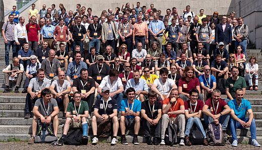 Gruppenfoto der Teilnehmer der FOSSGIS-Konferenz 2016 in Salzburg.