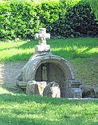 Fontaine de la chapelle Saint-Philibert de Trégunc (3).JPG