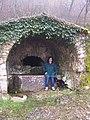 Fontanella sconosciuta da qualche parte lungo il sentiero - panoramio.jpg