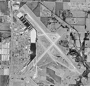 Topeka Regional Airport - USGS 2002 orthophoto