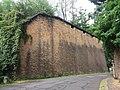 Fort de Loyasse - Mur sud-est rue du Bas de Loyasse.jpg