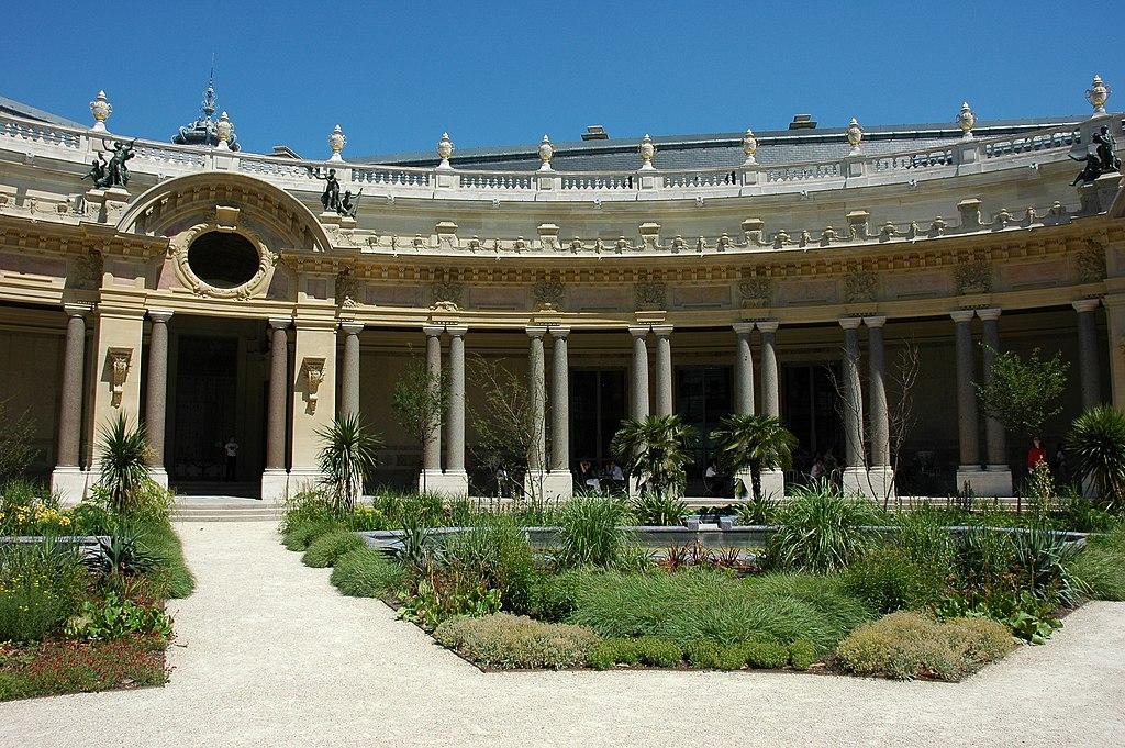 File france paris petit palais jardin interieur 04 jpg for Interieur francais