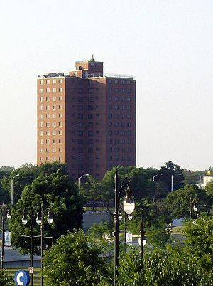 Diana Ross - The building that was part of the Brewster-Douglass Housing Projects in Detroit, where Diana spent her teenage years