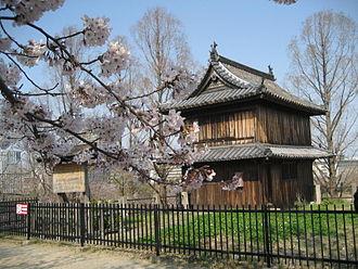Fukuoka Castle - Fukuoka Castle in April when cherry trees are in bloom