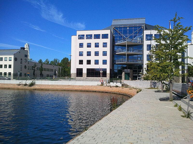 File:Gäddan, Malmö Högskola, Malmö.jpg