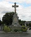 Gennes-sur-Seiche (35) Monument aux morts.jpg