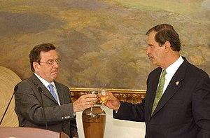 Vicente Fox - Gerhard Schröder in Los Pinos with President Fox.