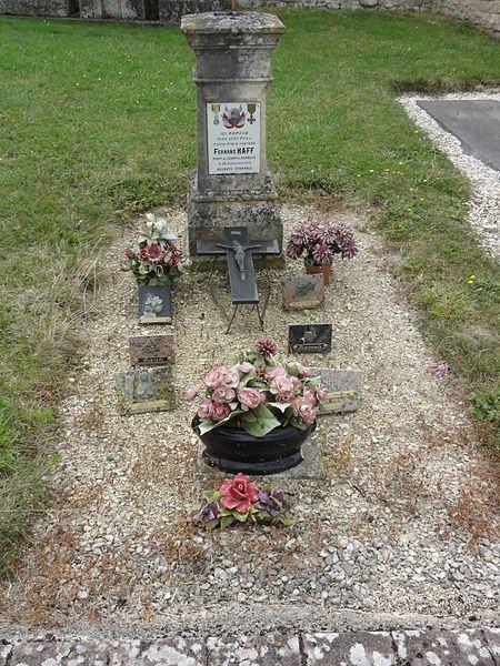 Gimécourt (Meuse) cimetière, tombe militaire