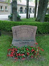 Grave of the 14th Prime Minister of Finland, Väinö Tanner (1881 – 1966).jpg