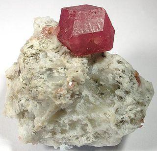 Grossular Garnet, nesosilicate mineral