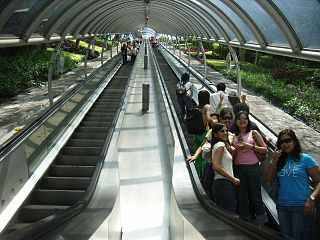 登山電梯 Escalators