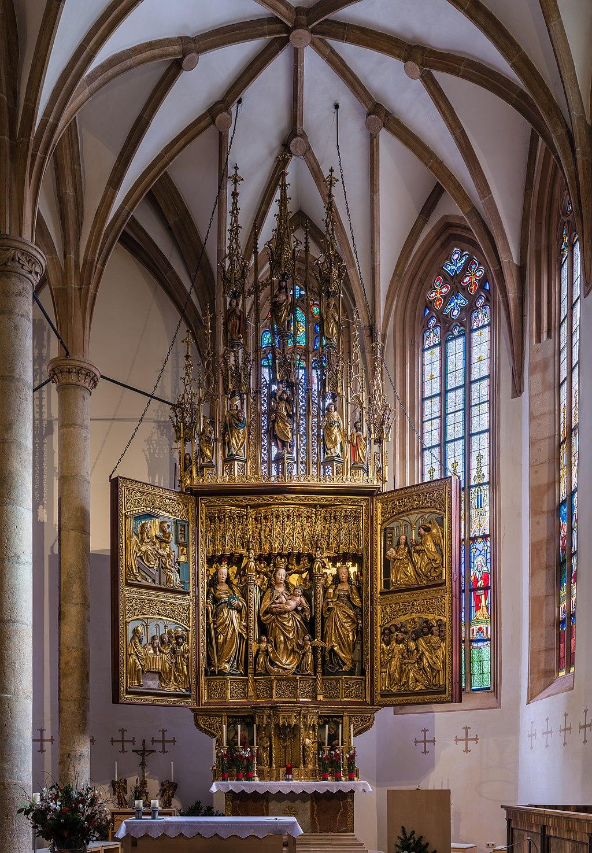 Hallstatt kath. Kirche Marienaltar 01.jpg