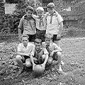 Hat fiú a Salgó menedékház előtt, 1967. Fortepan 4649.jpg