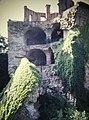Heidelberg Castle Fallen Wall (9813108335).jpg