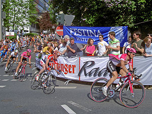Road cycling - Bicycle racers at the 2005 Rund um den Henninger-Turm in Germany