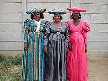 Un gruppo di donne Herero a Windhoek