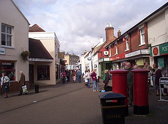 Hythe, Hampshire - Image: High Street, Hythe, Hampshire