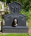 Highgate Cemetry Malcolm McLaren (14106798945).jpg