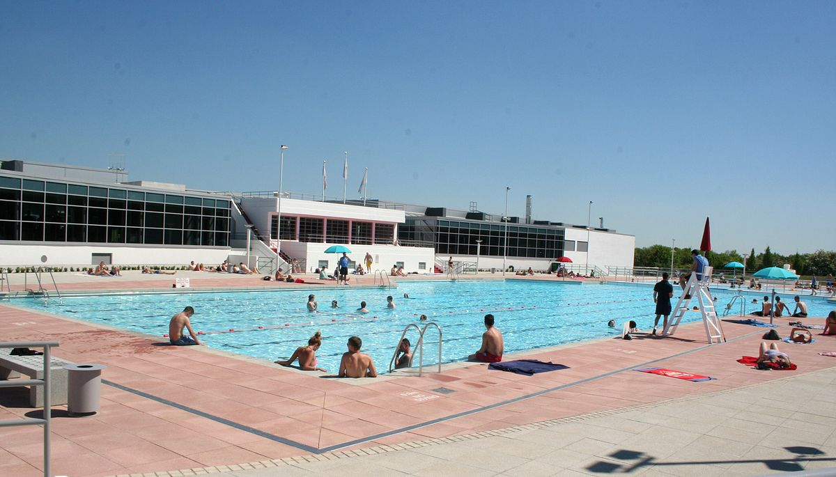 Hillingdon sports and leisure complex wikipedia - Outdoor swimming pools north west ...
