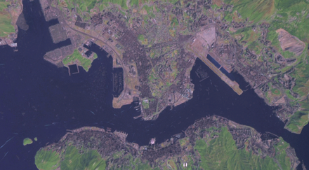 Satellite view of Victoria Harbour in the 2000s HongKong.png