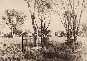 Cullin-la-ringo massacre - Horatio Wills' gravestone, ca. 1950