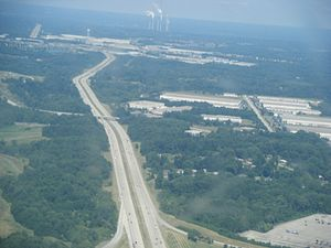 I-275 WB near Cincinnati-Northern Kentucky International Airport from airplane.jpg